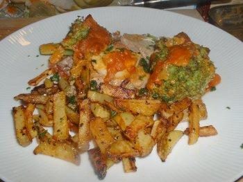 Überbackenes Schweinefilet mit Broccoli-Tomaten-Soße
